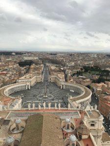 redimPlace Saint-Pierre du haut de la coupole de la Baslique Saint Pierre_Rome_février 2018