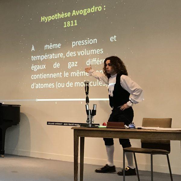 Présentation de la pièce «Le nombre d'Avogadro» par la classe se PCSI7