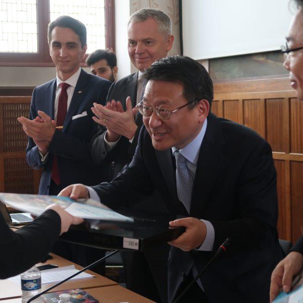 Visite de M. Park Soo-deok ministre conseiller de l'Ambassade de la République de Corée