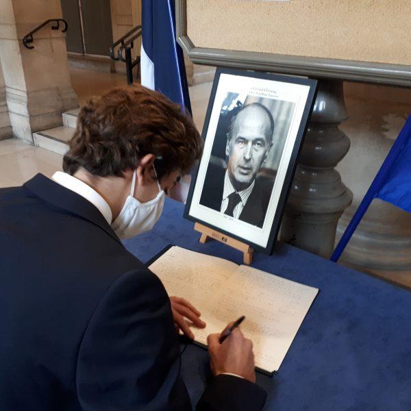 Hommage au président Valéry Giscard d'Estaing à la mairie du XVIe et au Musée d'Orsay